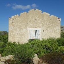 https://geheimtippreisen.blogspot.ch/2016/08/haus-ruinen-auf-isola-caprera-teil-2.html