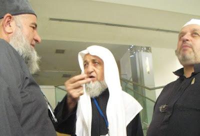 Syaikh Musthofa Ahmad Hamid tengah berbicara