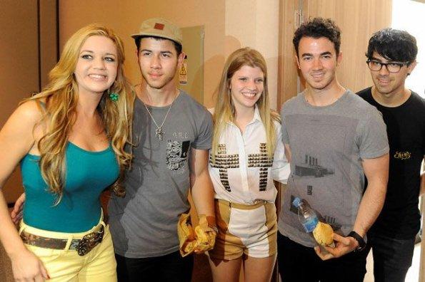 The jonas blog jonas brothers con fans en paraguay - Jonas brothers blogspot ...