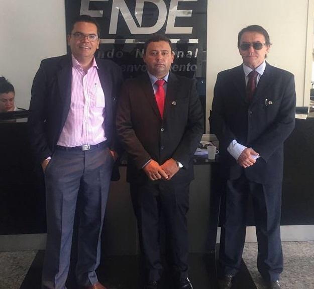 Prefeito Zé Arnaldo segue em Brasília em busca de recursos para a cidade de Amparo
