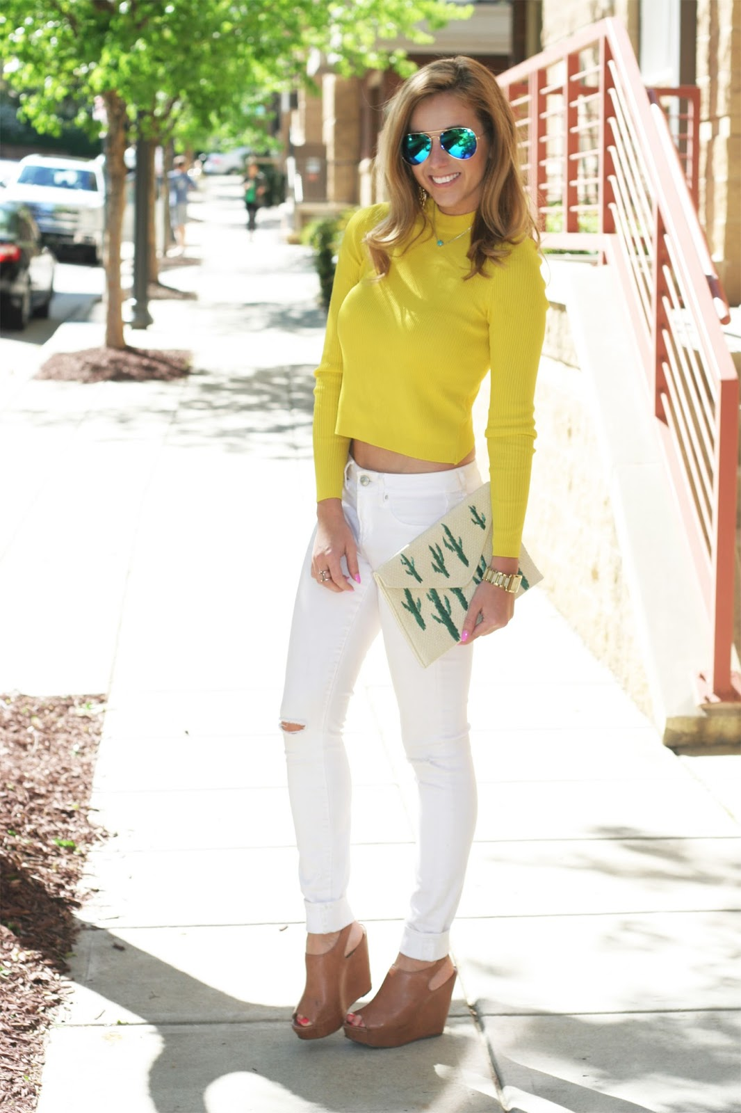 How-to-style-a-long-sleeve-crop-type-and-white-jeans