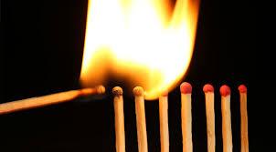 Hugo W Arostegui El Jugar Con Fuego