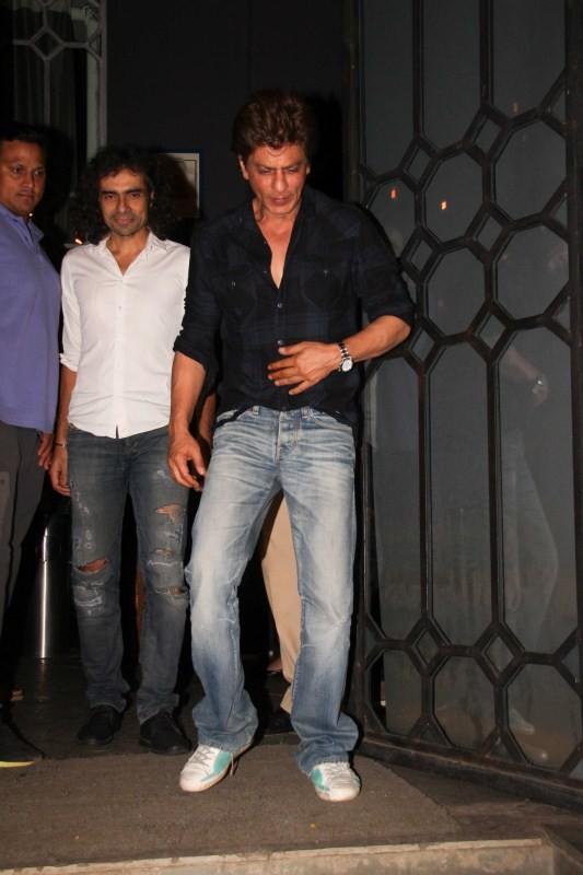 Shah Rukh Met Imtiaz Ali for Late Night Dinner at Corner House
