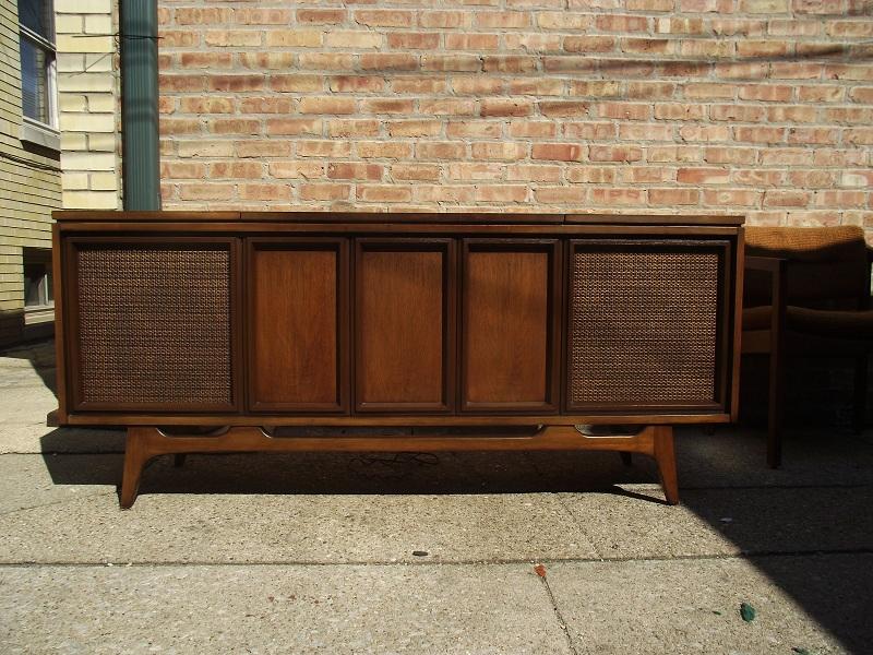 Vintage Ground: Mid Century Record Console