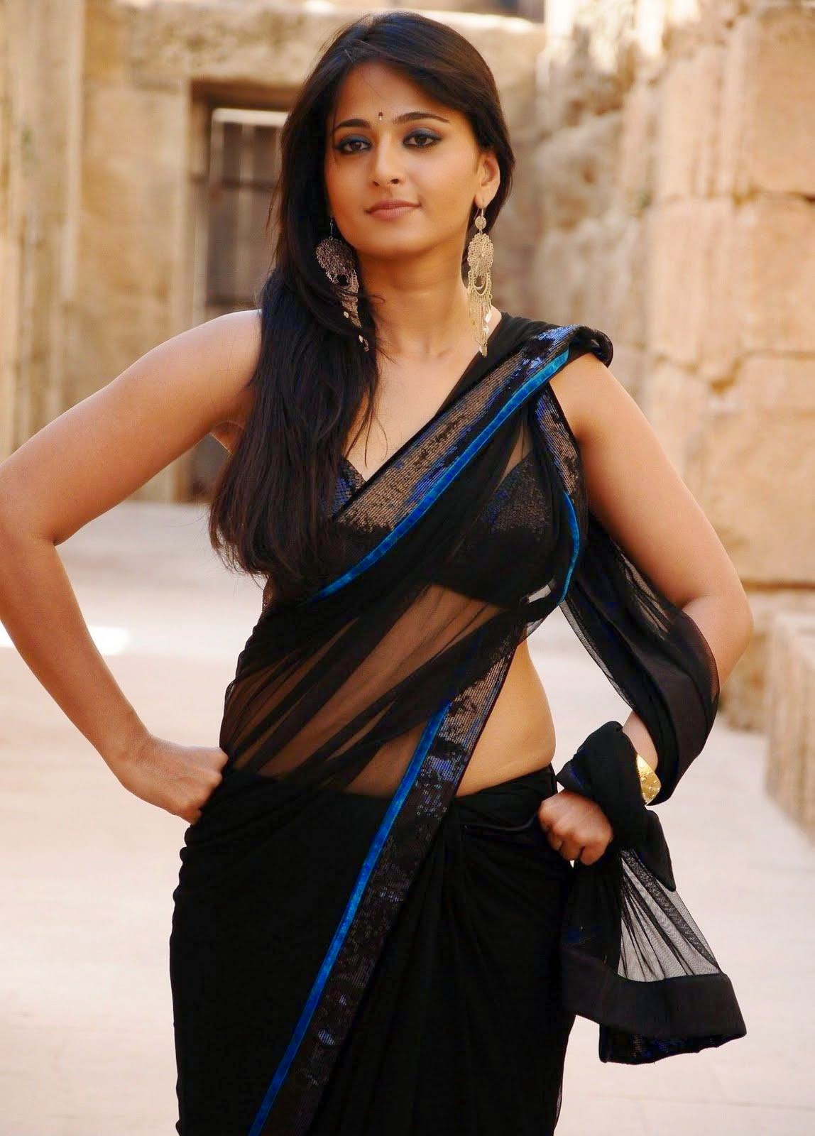 Anushka Shetty In Black Backless Saree Celebs Hot World Hq Photos No Watermark Pics Celebs Hot World Celebs Photo Gallery Around The World