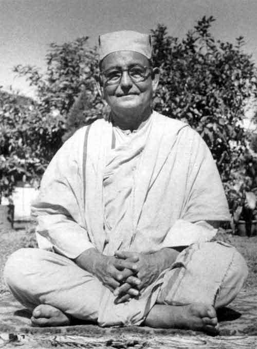 A Collection of Teachings and Thoughts of Swami Yatiswarananda