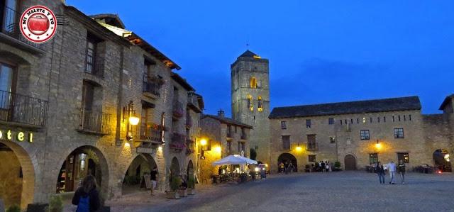 Plaza Mayor de Aínsa, Huesca, España