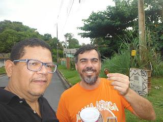Rodolfo e um Guapuruvu com Eduardo Manoel Circuito Tambor