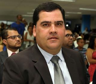 Secretário de Educação de Alagoinhas Fabrício Faro é apontado como um dos mais atuantes, segundo pais de alunos