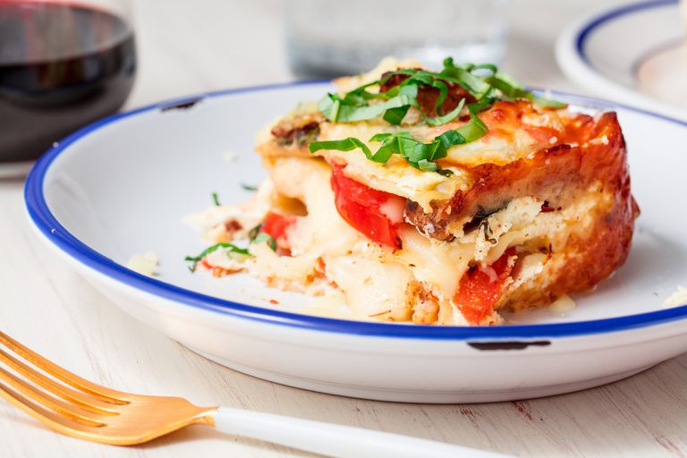 Caprese Chicken Lasagna - food-drink-recipes.com