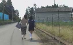 Ibu Dan anak Diperkosa rame2 Oleh Para Preman
