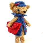 http://www.howtoamigurumi.com/amigurumi-chihuahua-crochet-pattern/
