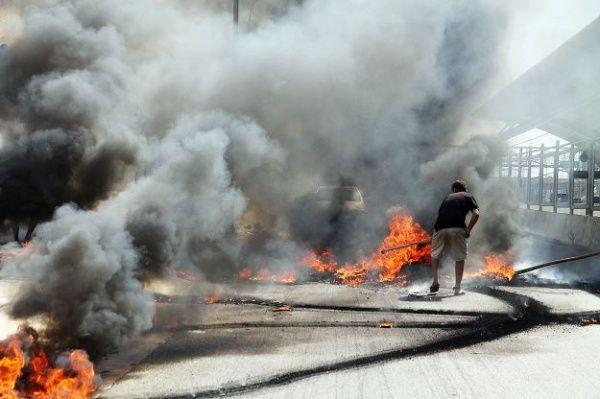 En FOTOS: Focos de protesta en Maracaibo tras 40 horas sin luz Adrialis Barrios Hernández