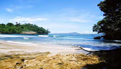 explore the beautiful beach in tulungagung
