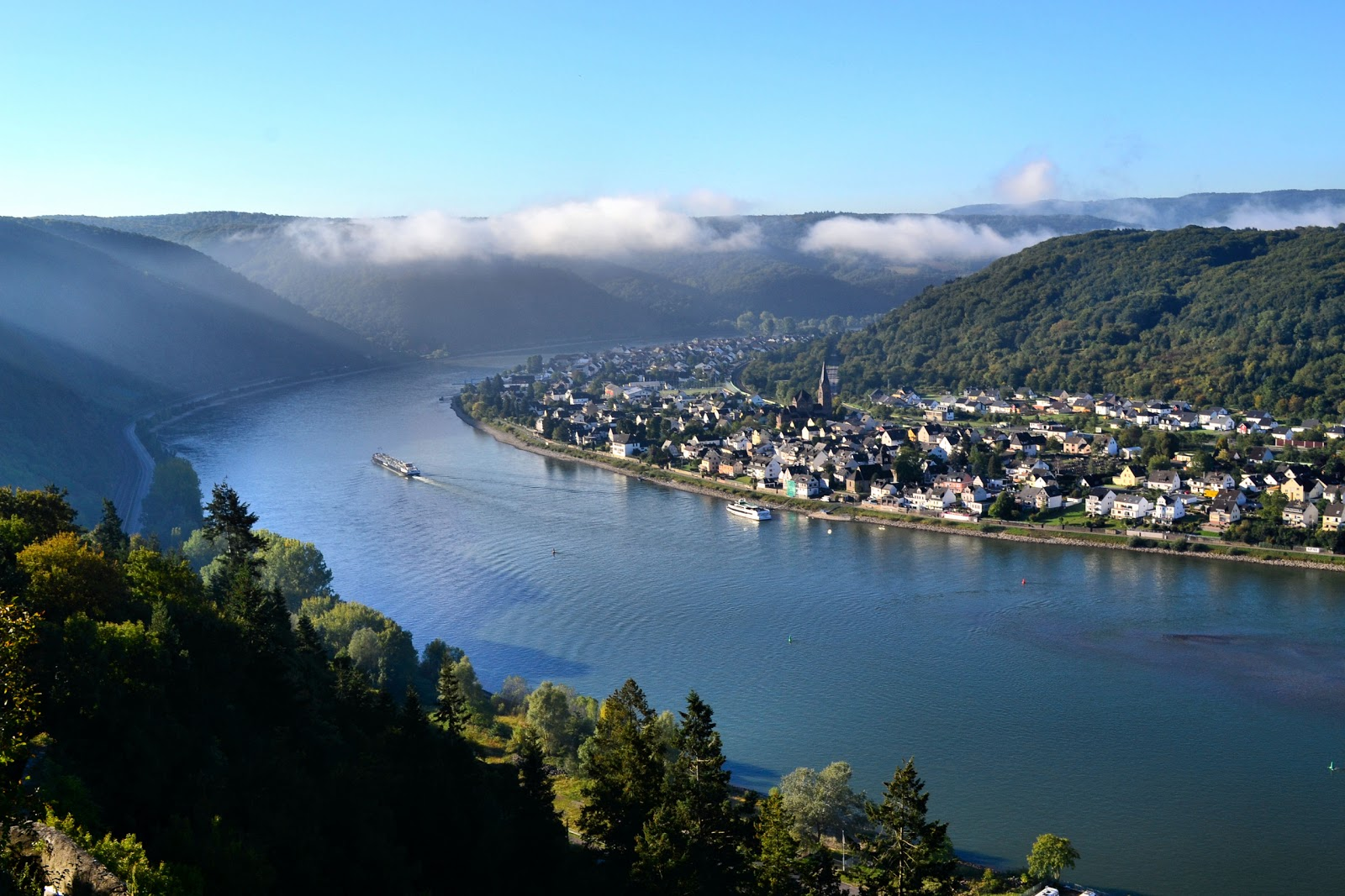 Strike out on an adventure along the Rhine River Valley! Photo: © EuroTravelogue.com. Unauthorized use is prohibited.