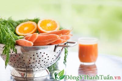 Chữa viêm họng đơn giản với cà rốt và mật ong