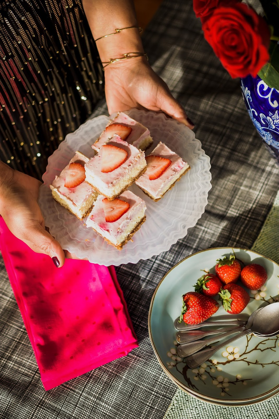 strawberry cheesecake bars, dessert, saumya shiohare, myriad musings .jpg