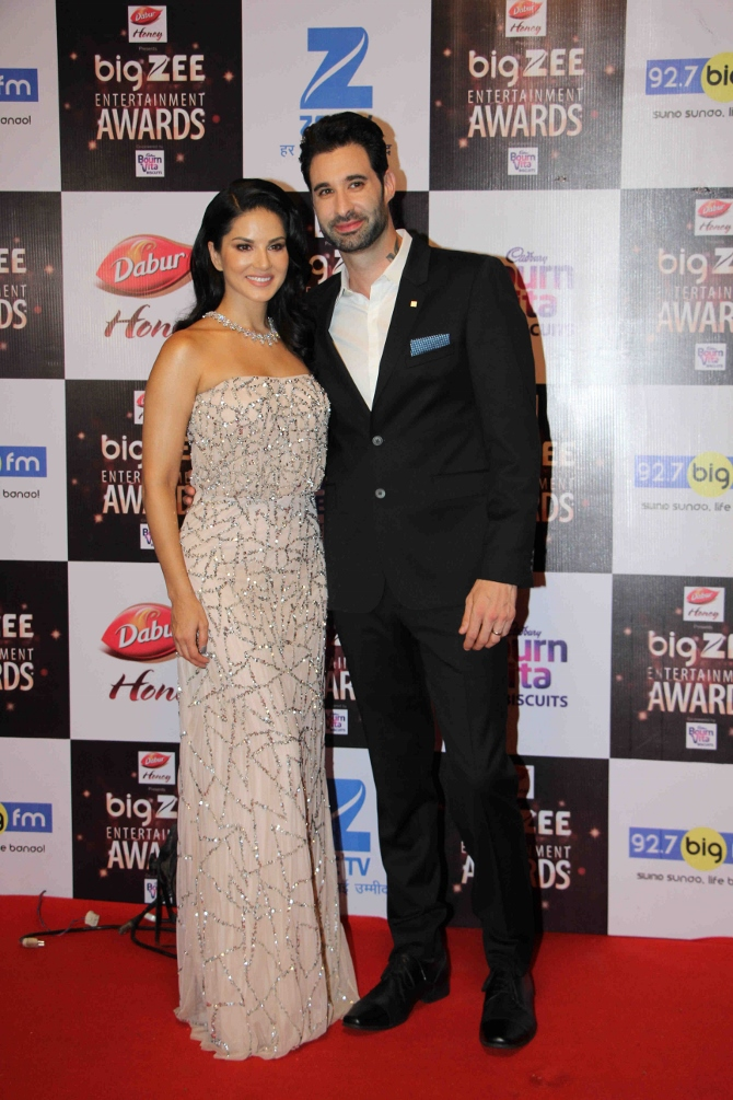 Alia Bhatt with Others Attend Event of The Big Zee Entertainment Awards