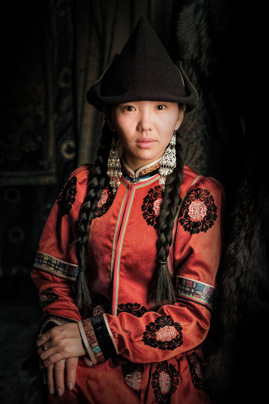 He Traveled 25000 Km In Siberia To Capture The Beauty Of Its Indigenous People With His Camera. The Pictures Are Breathtaking! - Shenehen Buryat Girl