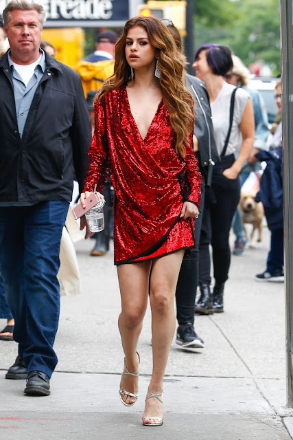 Selena Gomez Fashion Star – Out in NYC