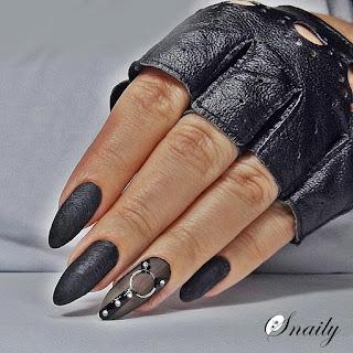 http://snaily-nails.blogspot.com/2017/10/skorzane-paznokcie.html