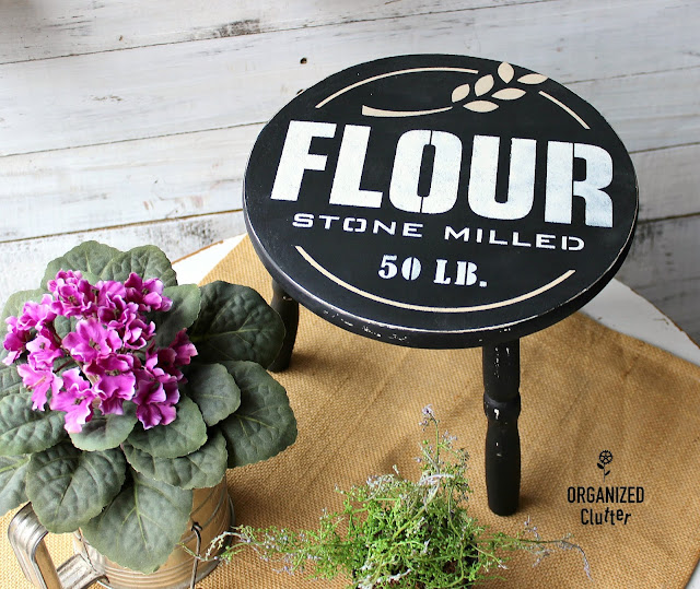 Fun Farmhouse Decor with Old Sign Stencils #oldsignstencils #stencil #upcycle #farmhousekitchen #farmhouse #farmhousestyle #dixiebellepaint
