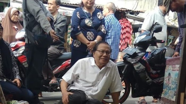 Blusukan ke Pasar Kramatjati Jakarta Timur, Rizal Ramli Bahas Naiknya Harga Pokok Terus Melambung