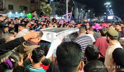 تهشم سيارة مجدي شطة بعد تزاحم أهالي الباجور عليه (فيديو وصور)