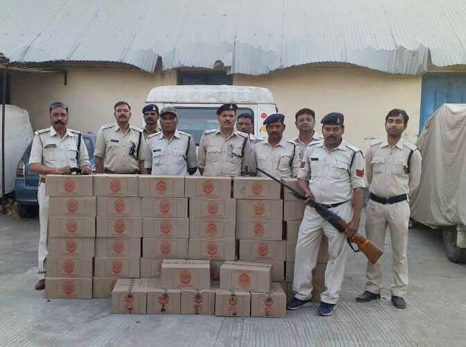 आबकारी अमले ने 1 लाख 42 हजार रूपये मूल्य की मदिरा जप्त की-alirajpur-illigal-wine