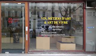 Lettres adhésives sur vitrine