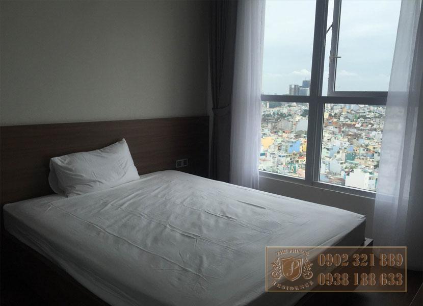 căn hộ The Prince 3PN tầng cao - giường ngủ phòng 1