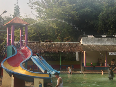 Pemandian air panas Gunung Torong