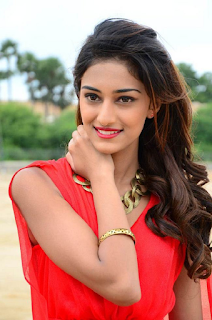 Most Popular Celebrities Erica Fernandes HD Wallpapers14.png