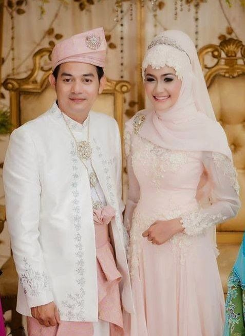 Contoh Gaun Pengantin Muslimah Elegan Terbaru 2019