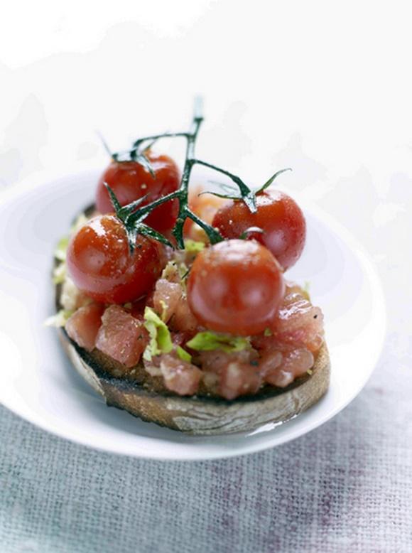 Crostini Aux Deux Tomates