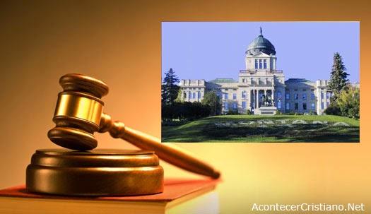 Pastor exhorta a legisladores obedecer a Dios