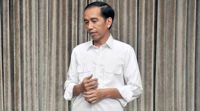 Jokowi Sedang Rapat Penting, Sosok Mencurigakan Ini Adalah Hantu?