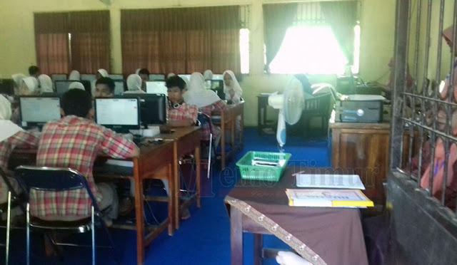 Pelaksanaan UNBK SMA di Lumajang