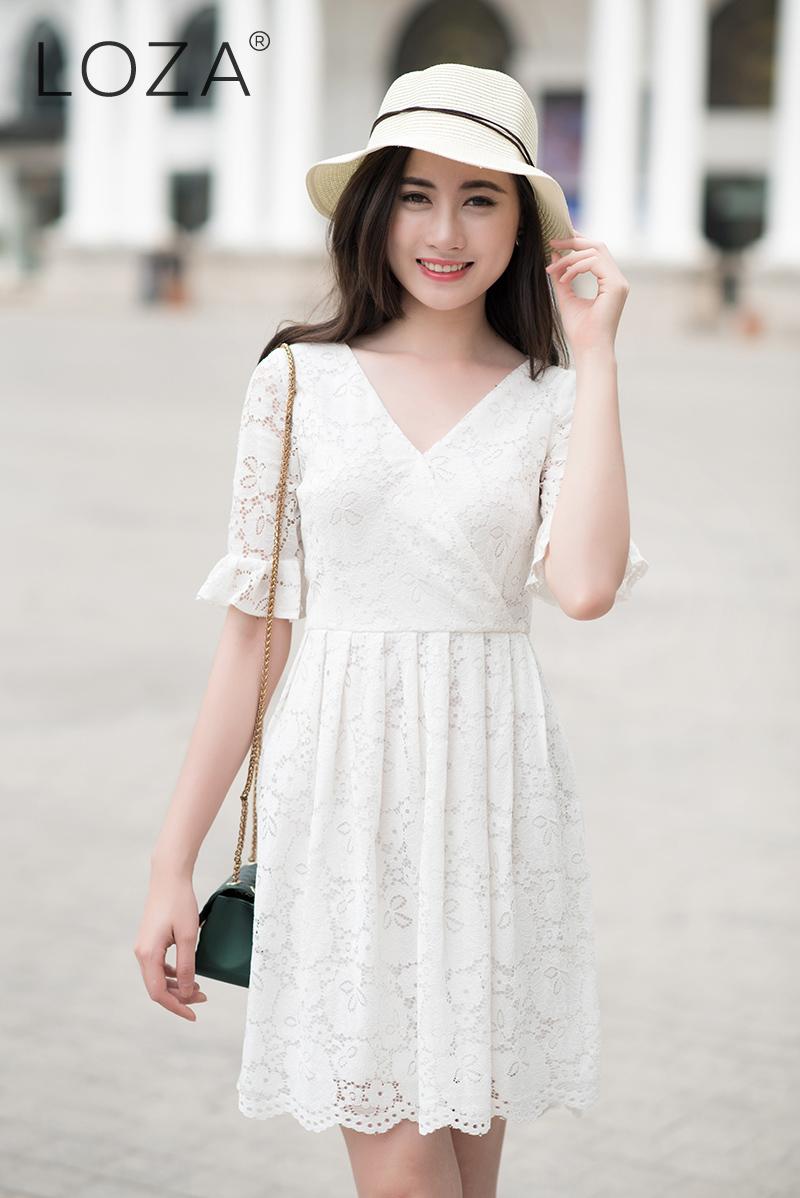 Em xinh diện bộ váy ren màu trắng  @BaoBua: Duyên