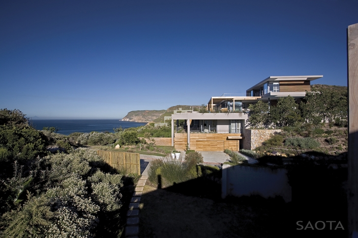 Beautiful Plett 6541+2 Home by SAOTA in the nature
