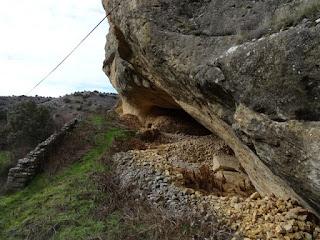 Abertura norte. Abrigo rocoso