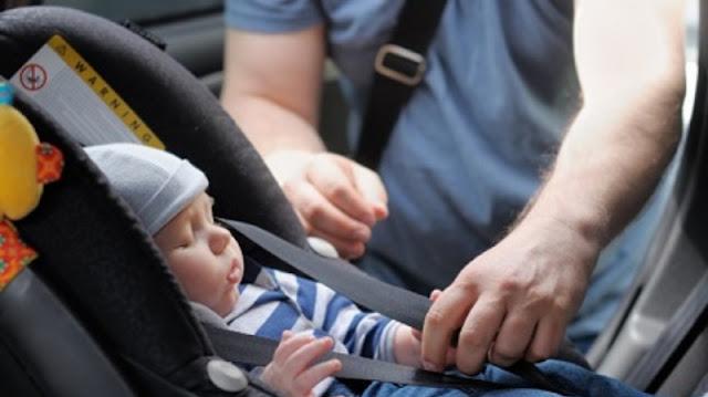 Cadeirinha de criança no carro em Miami