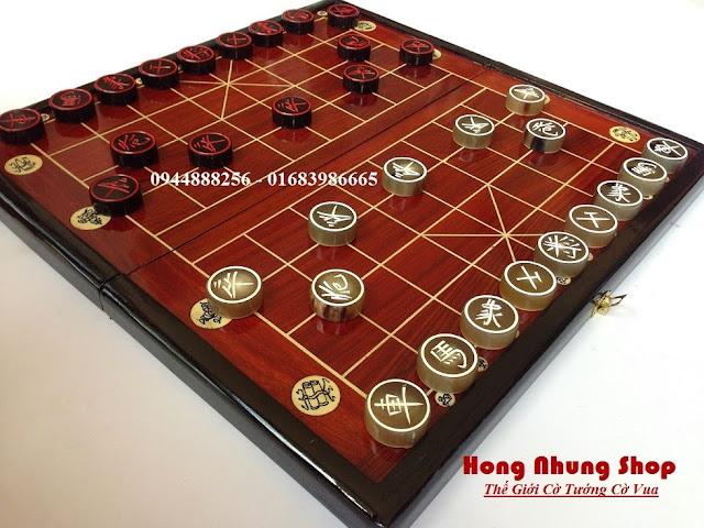 ban co tuong bang go huong