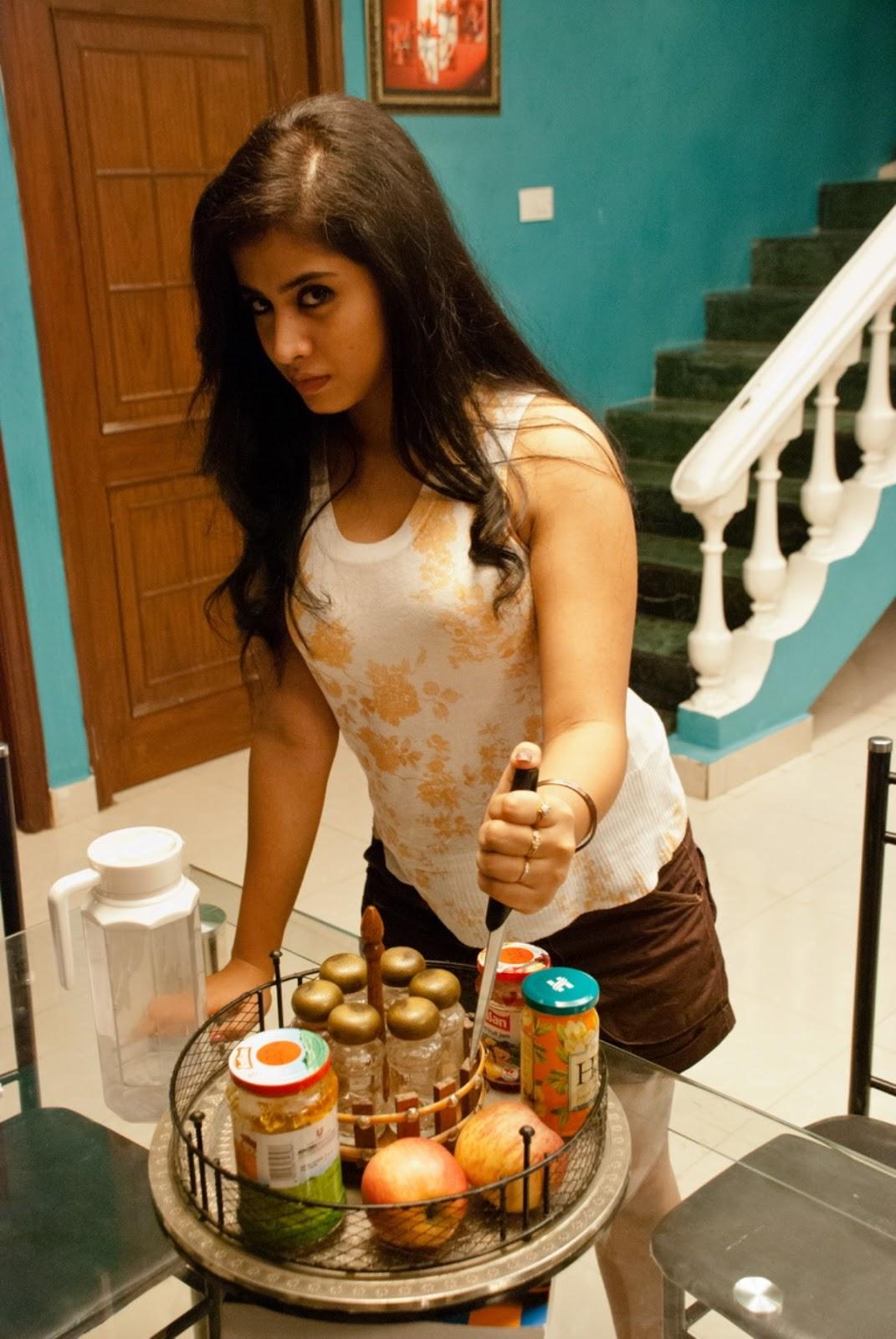Swati Dixit Hot Stills From Break Up Movie - Hot Blog Photos-9942