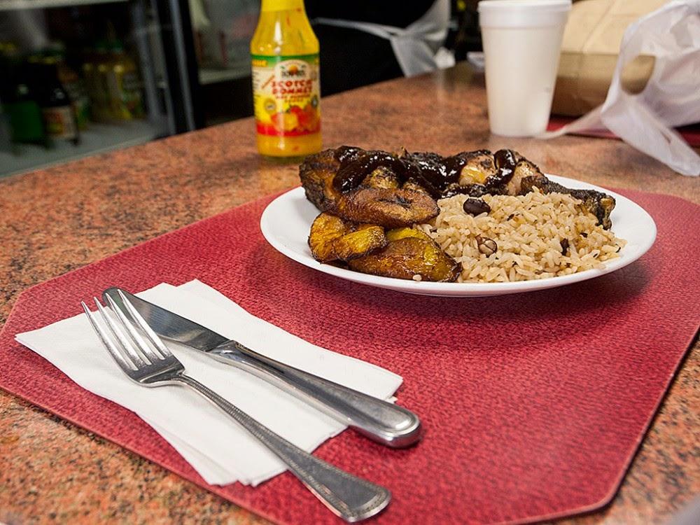 Restaurantes jamaicanos em Miami - Clive's
