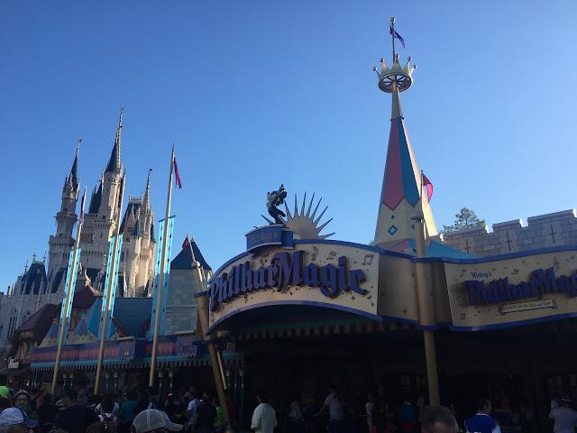 Mickey's PhilharMagic é um musical em 3D com os personagens mais famosos da Disney