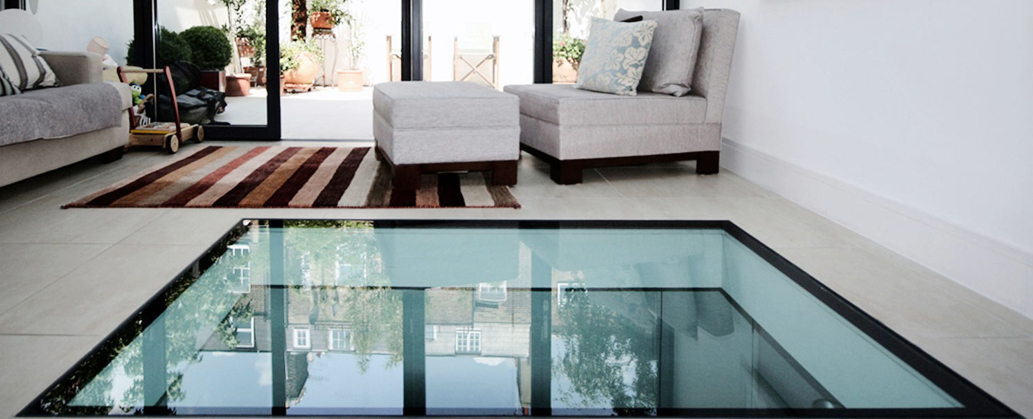 Glass floor and glass wall