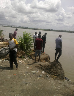 dead body river niger