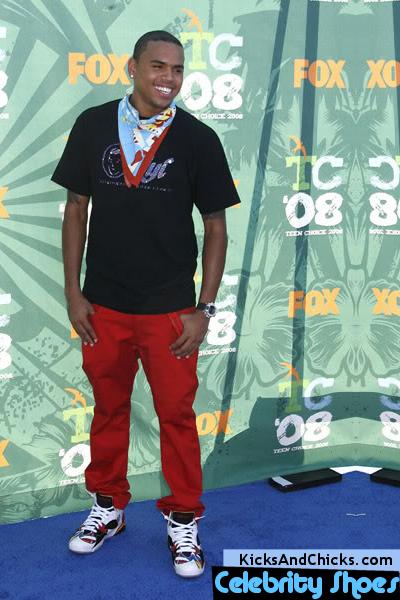 espía Disgusto Aumentar  World Of Shoes: Chris Brown Air Jordan 7 Retro Sneakers