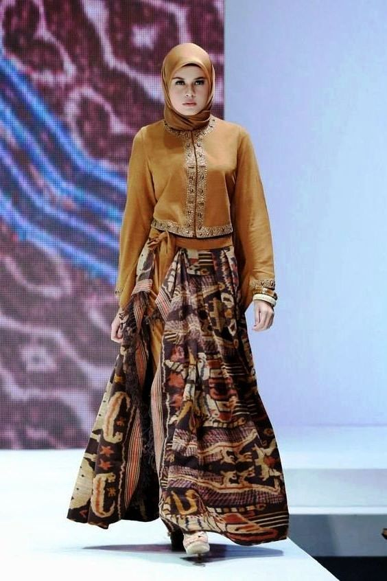 ッ 21 Model Baju Batik Pesta Untuk Wanita Muslim Modern Kombinasi